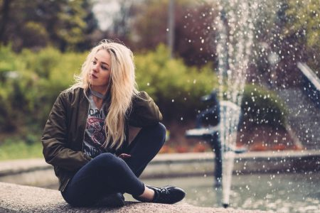 A girl at a fountain 2