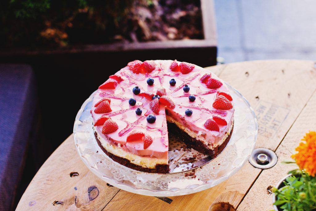 Strawberry pie - free stock photo