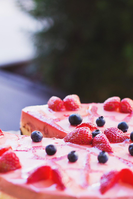 Strawberry pie 2 - free stock photo