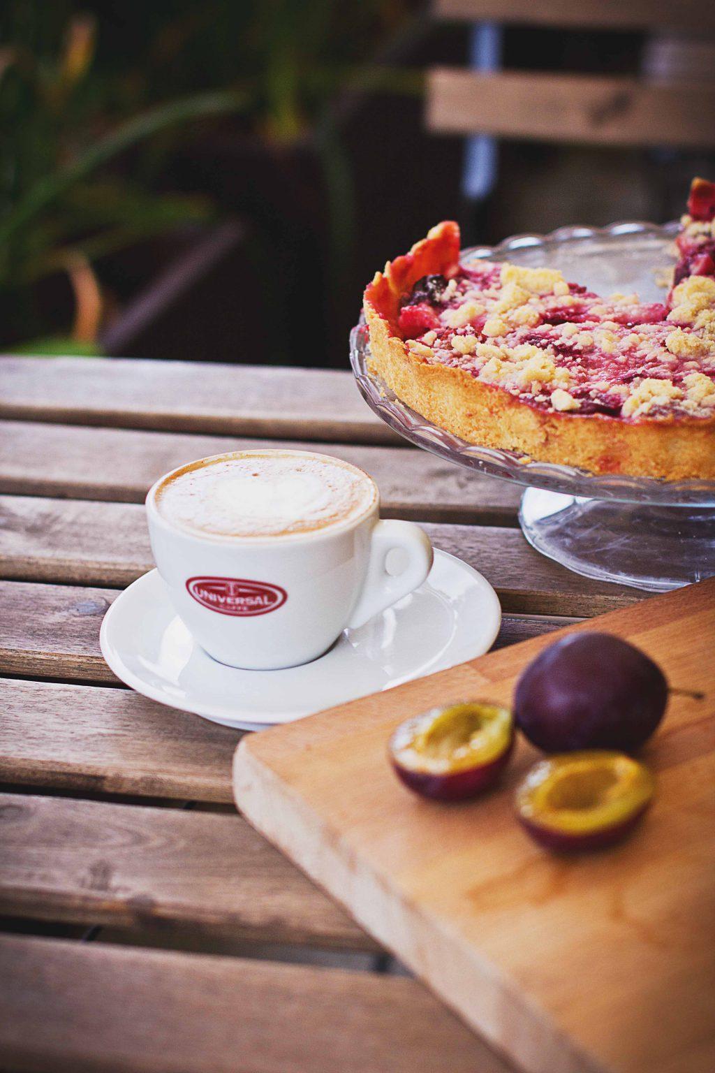 Pie, coffee & plums - free stock photo