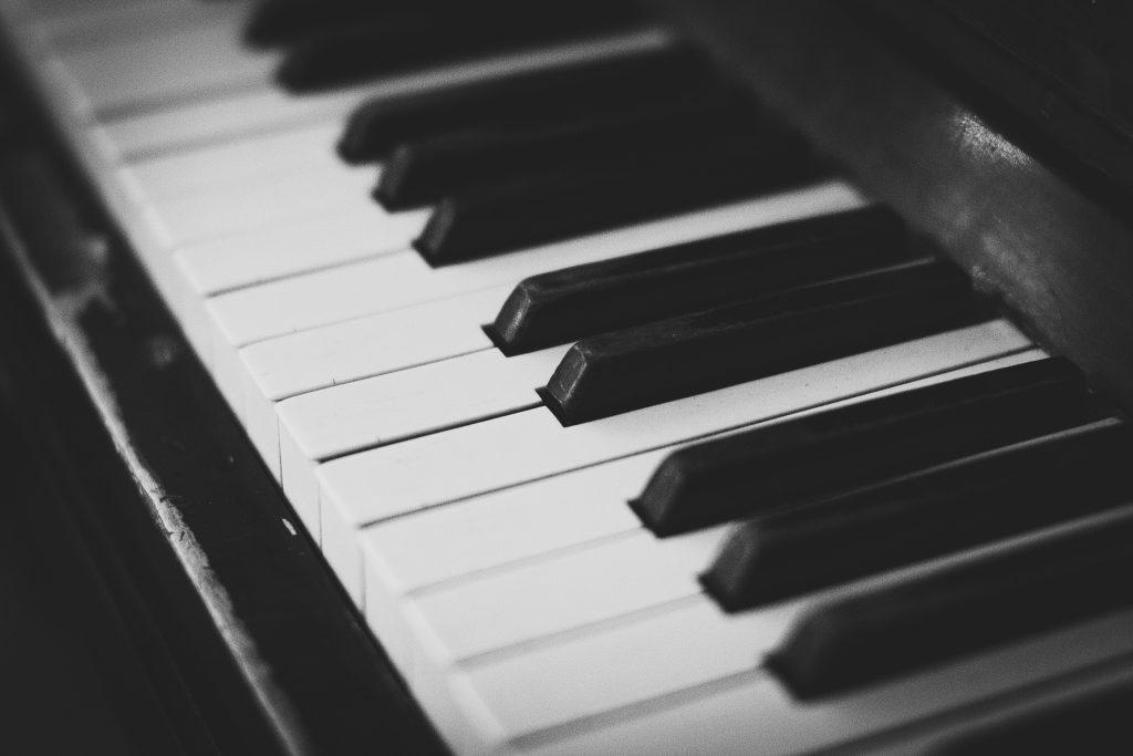 Piano keyboard - free stock photo