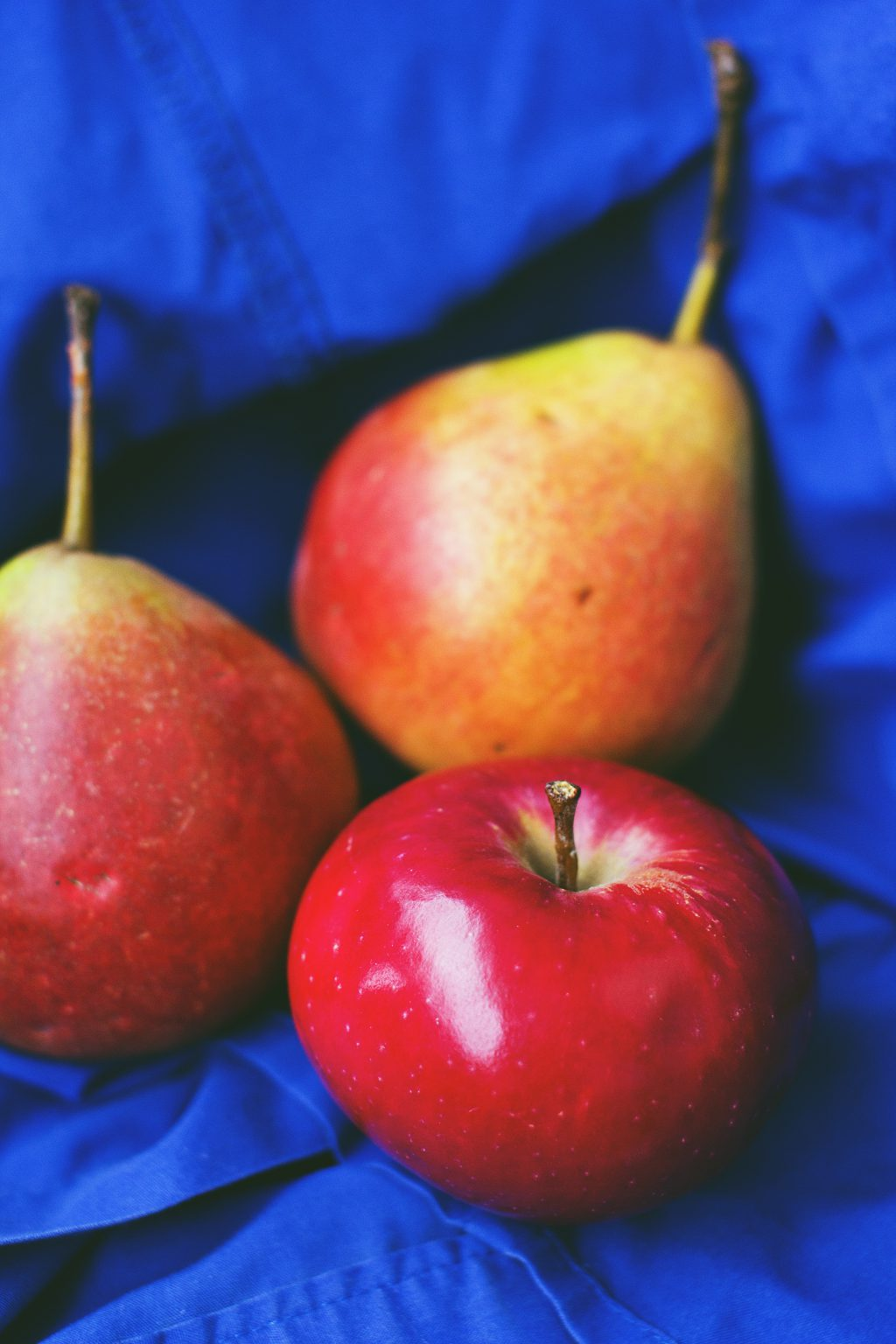Apple and pears - free stock photo