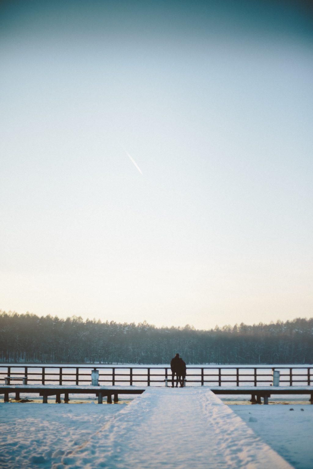 Couple on the bridge - free stock photo