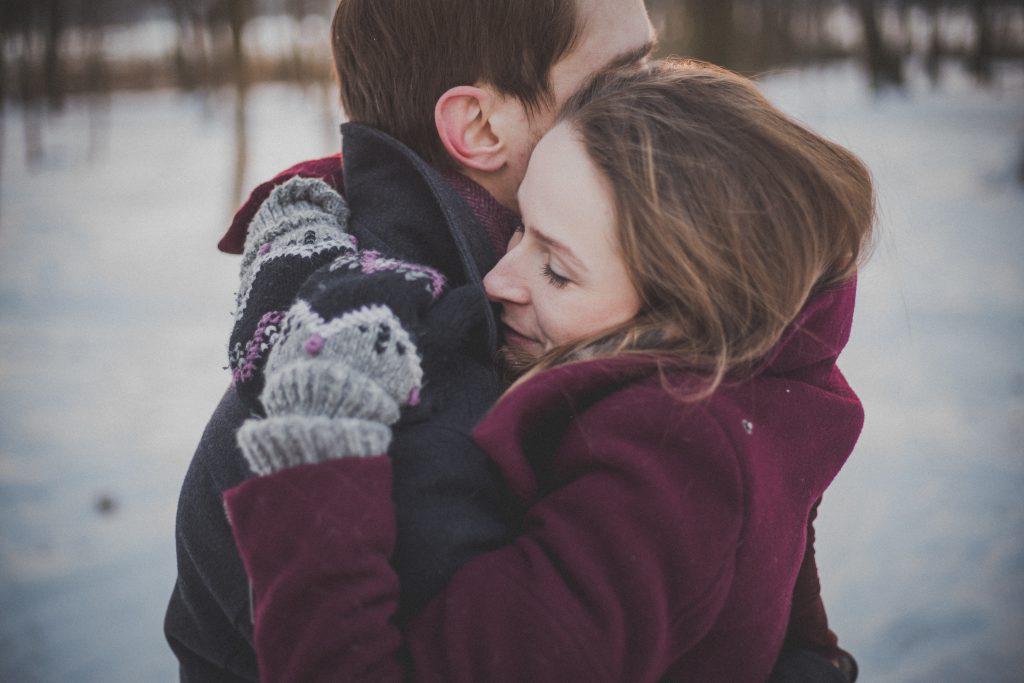 Hugging - free stock photo