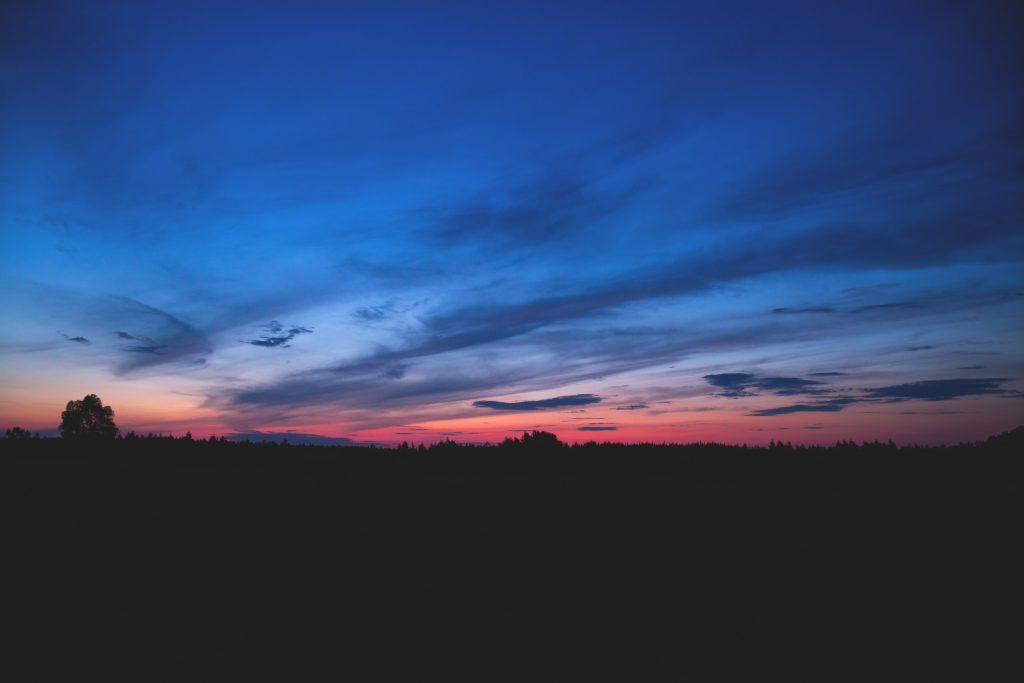 Sky at dusk 2 - free stock photo