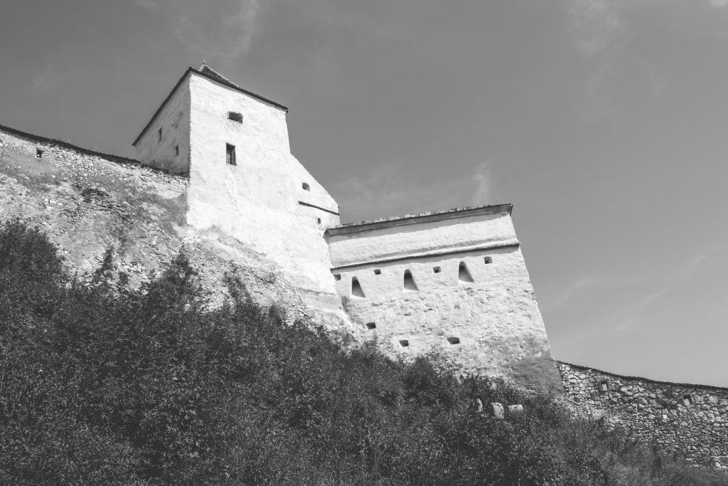 Râșnov castle walls and towers - free stock photo