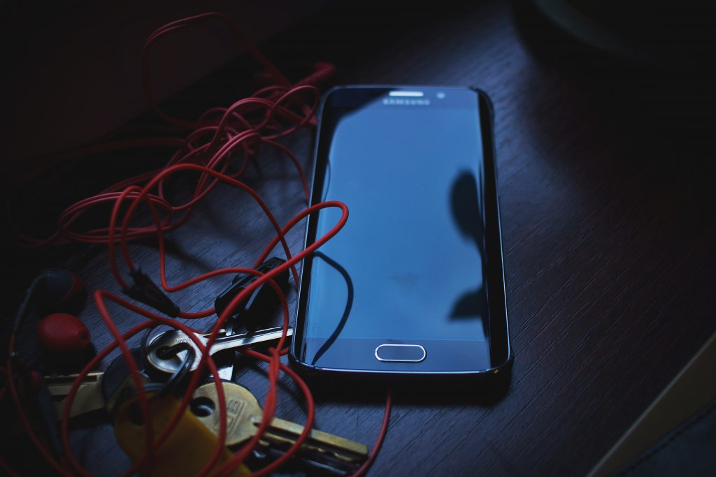 Phone, headphones and keys 2 - free stock photo