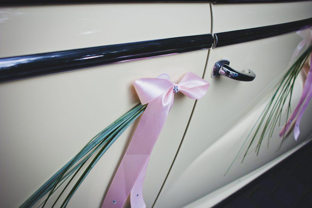 Wedding car 3 - free stock photo