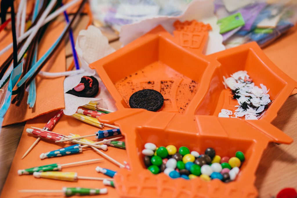 Preschool Halloween table - free stock photo