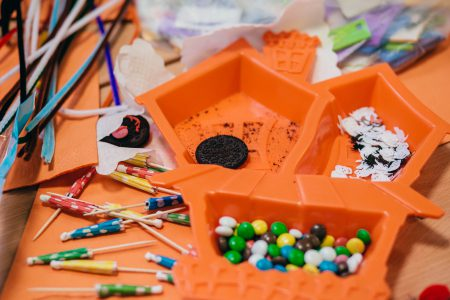 Preschool Halloween table - free stock photo