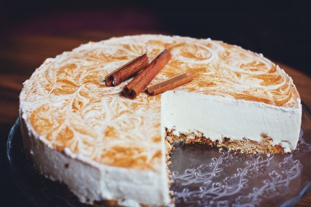 Cinnamon cheesecake - free stock photo