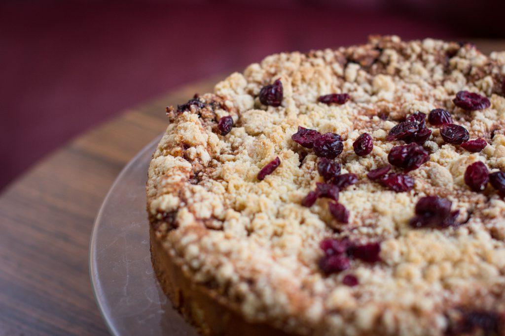 Crumble chokeberry pie - free stock photo