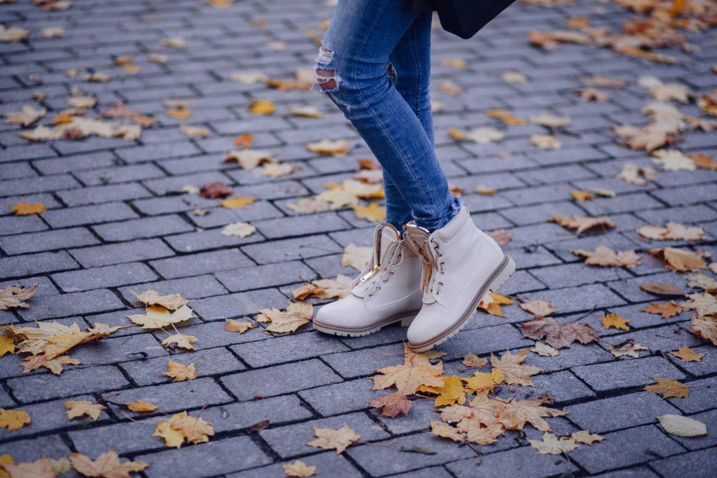 Stylish fall outfit 2 - free stock photo