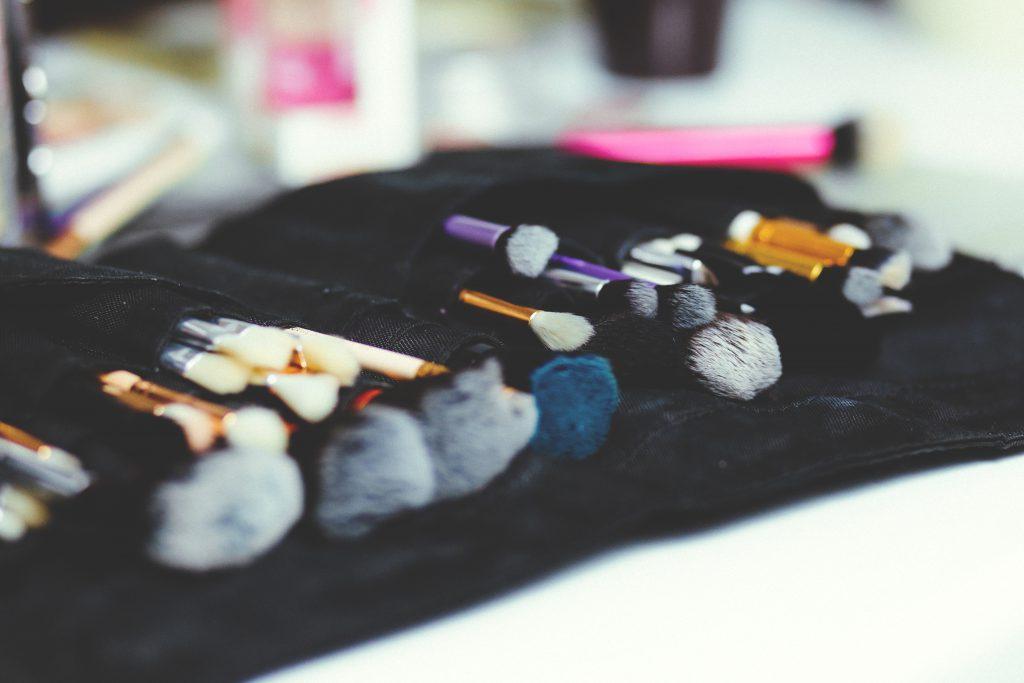 Makeup brush set - free stock photo