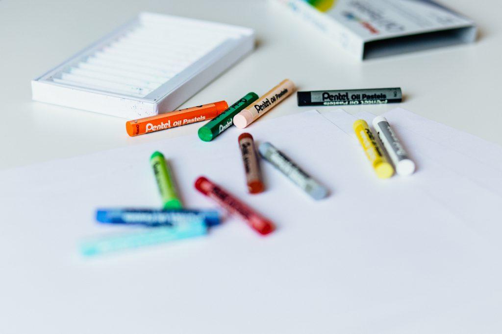 Crayons 2 - free stock photo