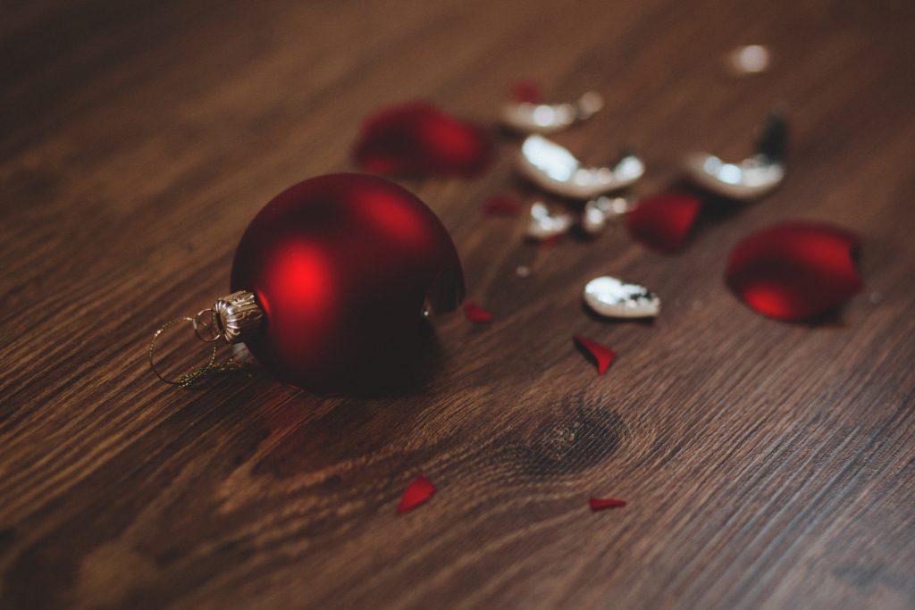 Broken red bauble 2 - free stock photo