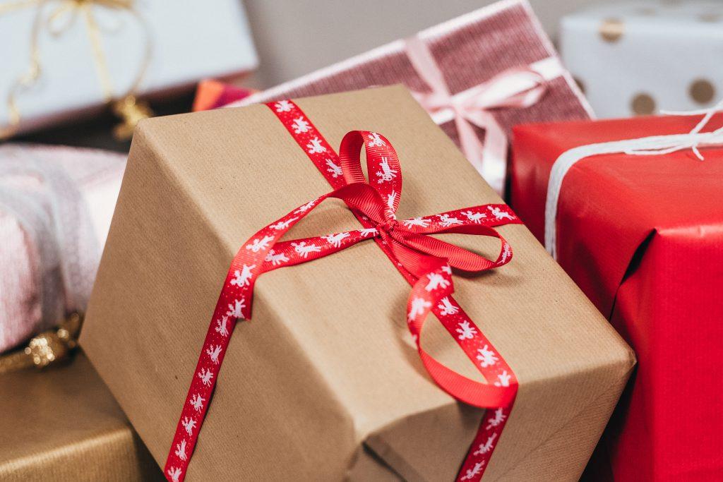 Christmas gifts pile 2 - free stock photo