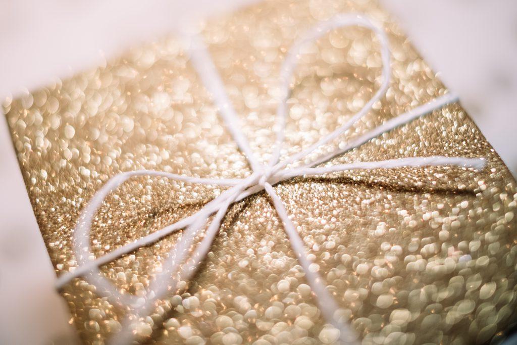 Gift box bow - free stock photo