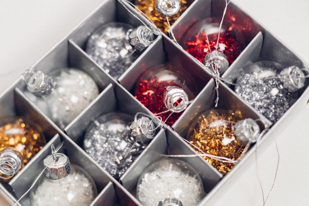 Mini baubles box - free stock photo