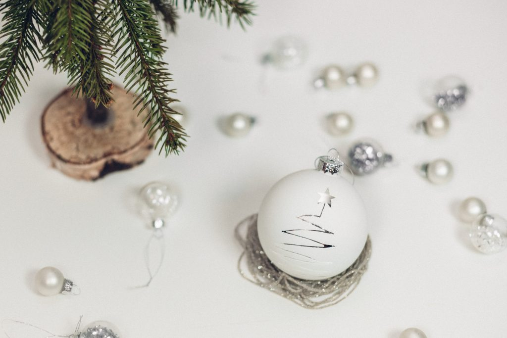 White and silver baubles - free stock photo