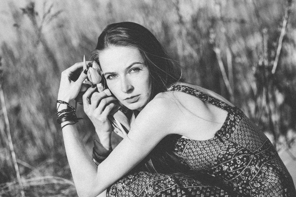 Boho winter shoot in black and white - free stock photo