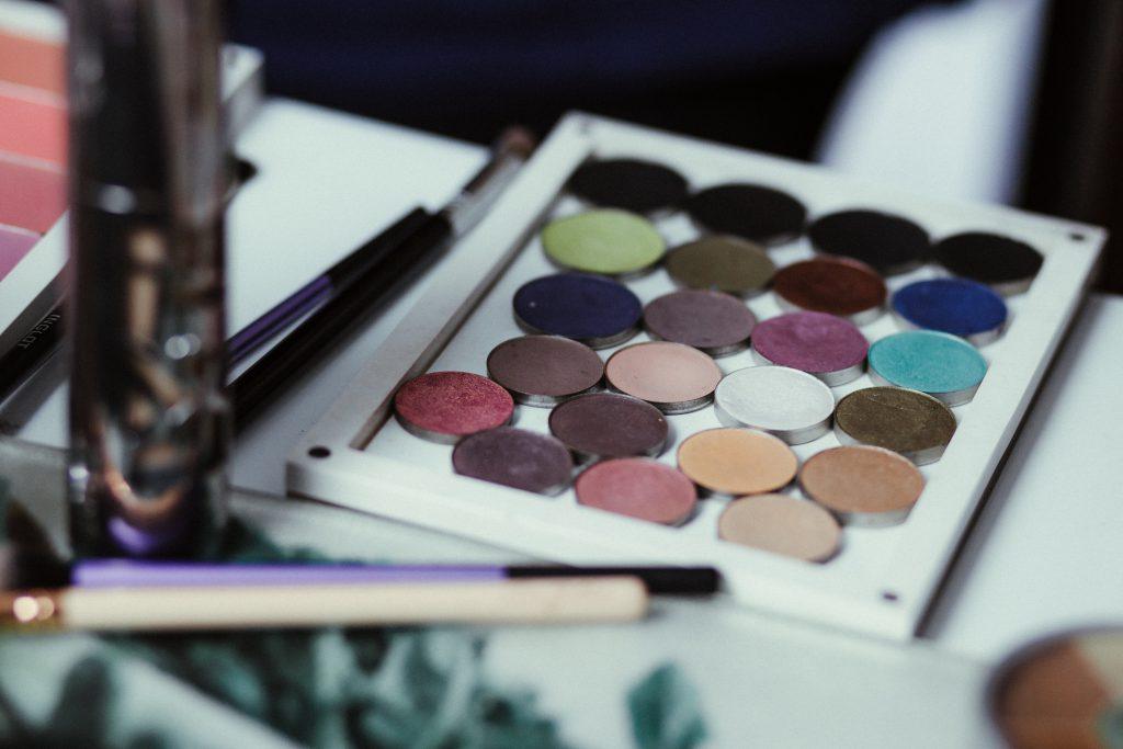 Eyeshadow palette - free stock photo