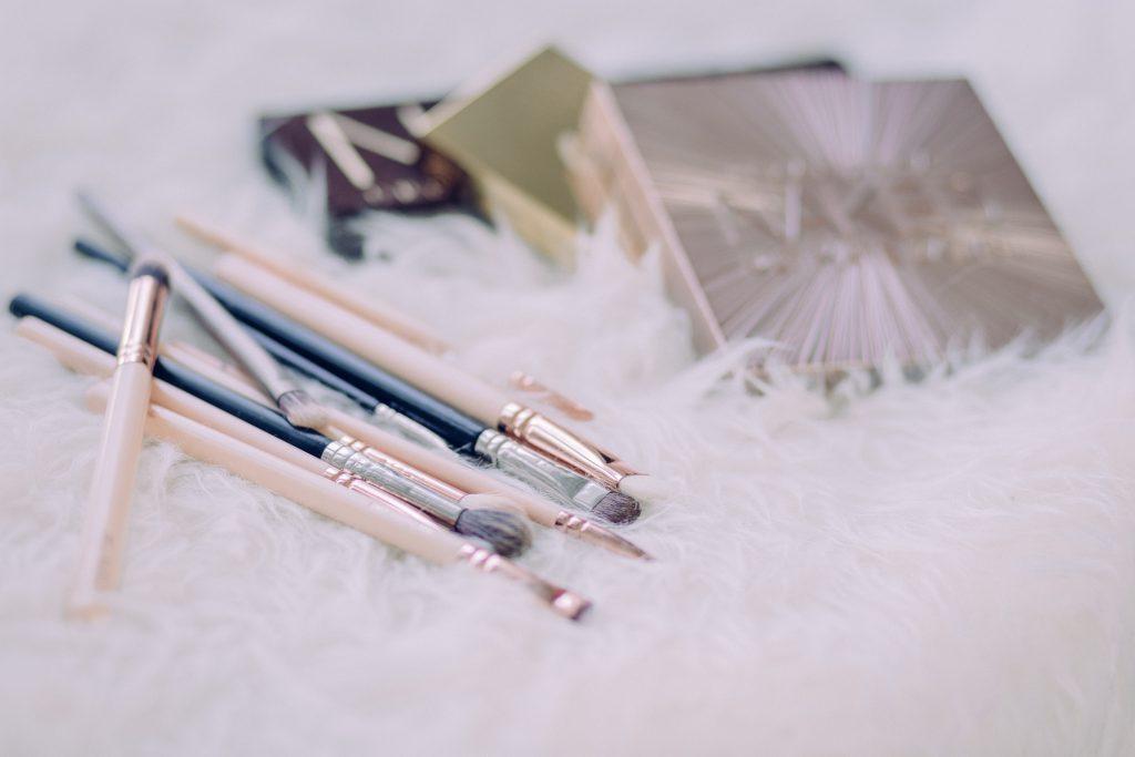 Makeup brushes and eyeshadows 4 - free stock photo