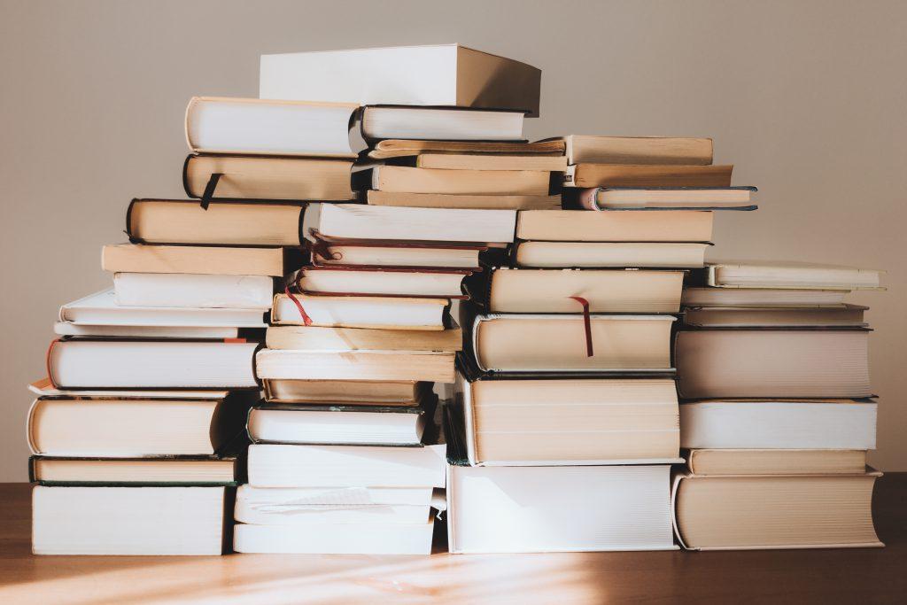 books pile freestocks commercial