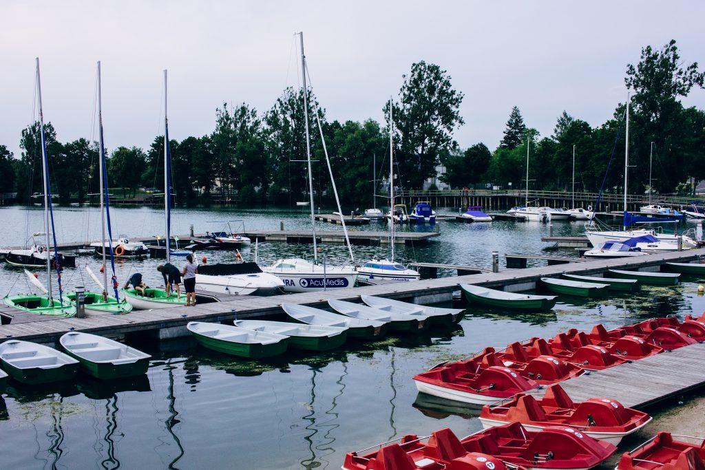 Harbor at the lake - free stock photo