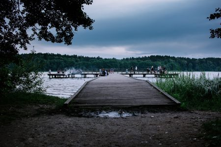 People on the pier in the evening - free stock photo