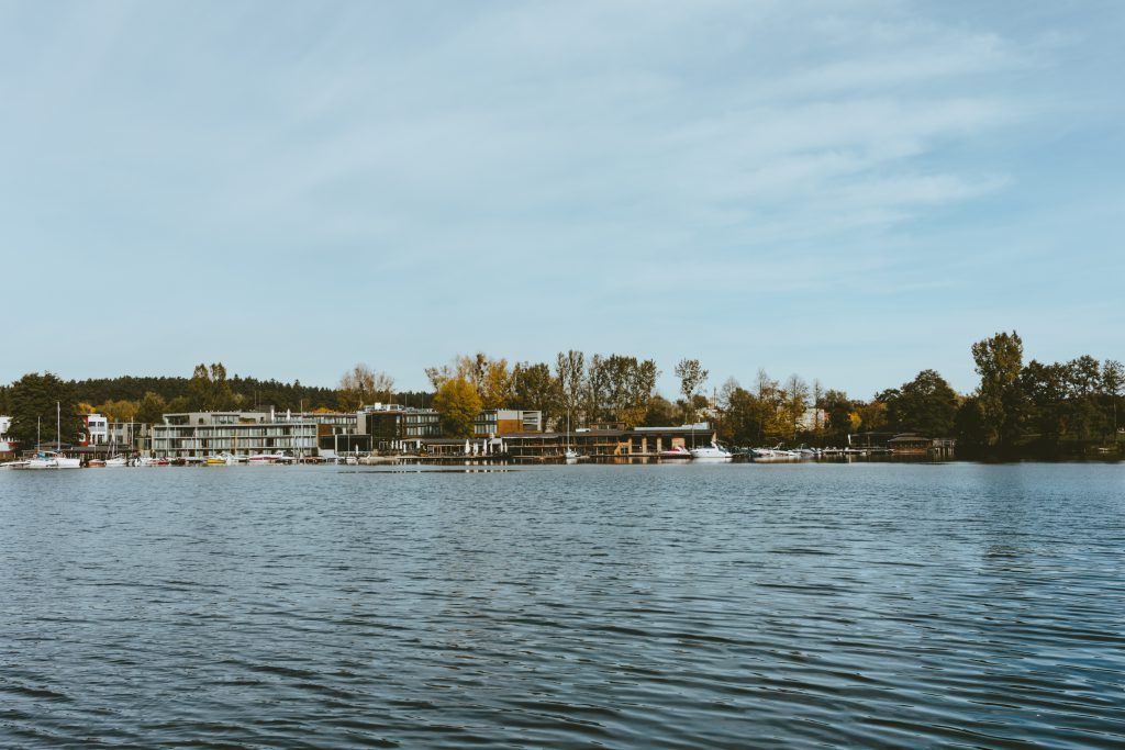 Sailing center by the lake - free stock photo