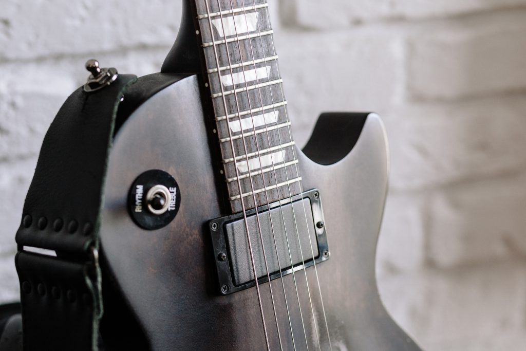 Gibson electric guitar 3 - free stock photo