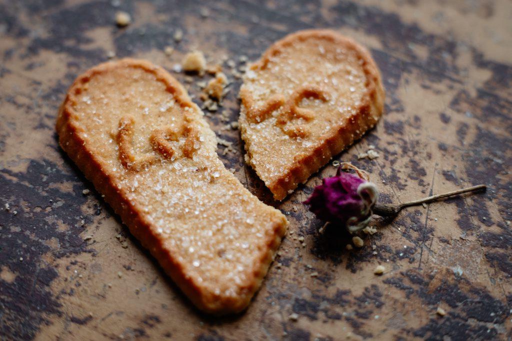 Broken heart-shaped cookie 2 - free stock photo