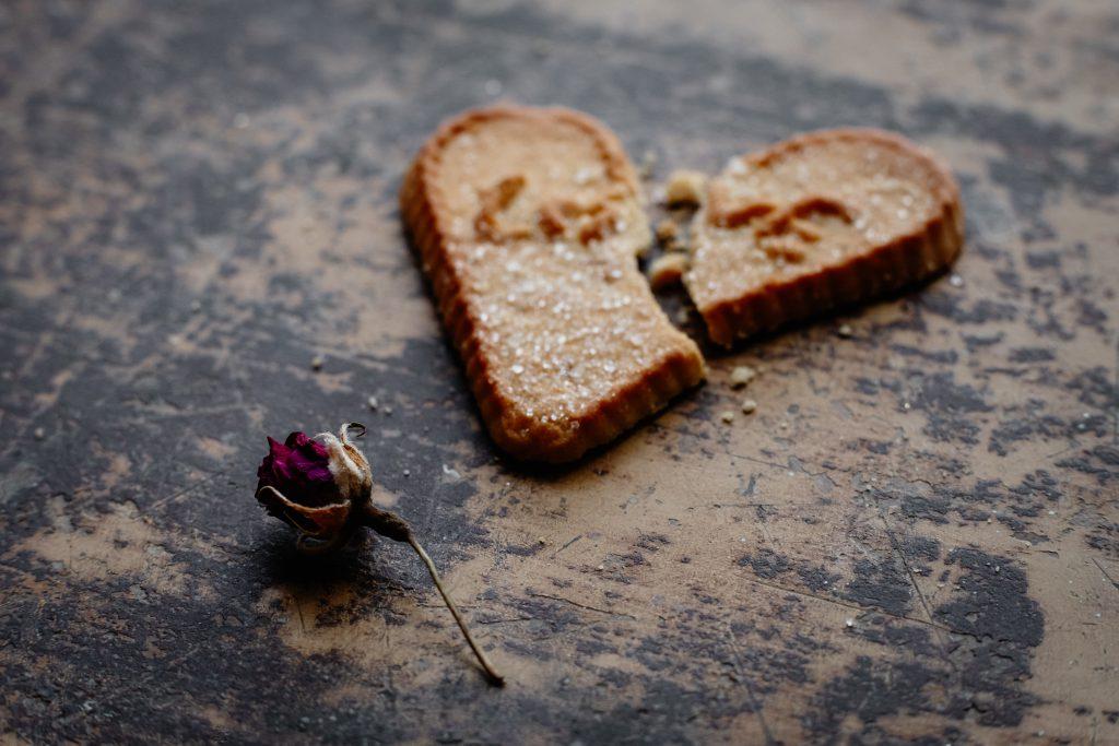 Broken heart-shaped cookie 3 - free stock photo