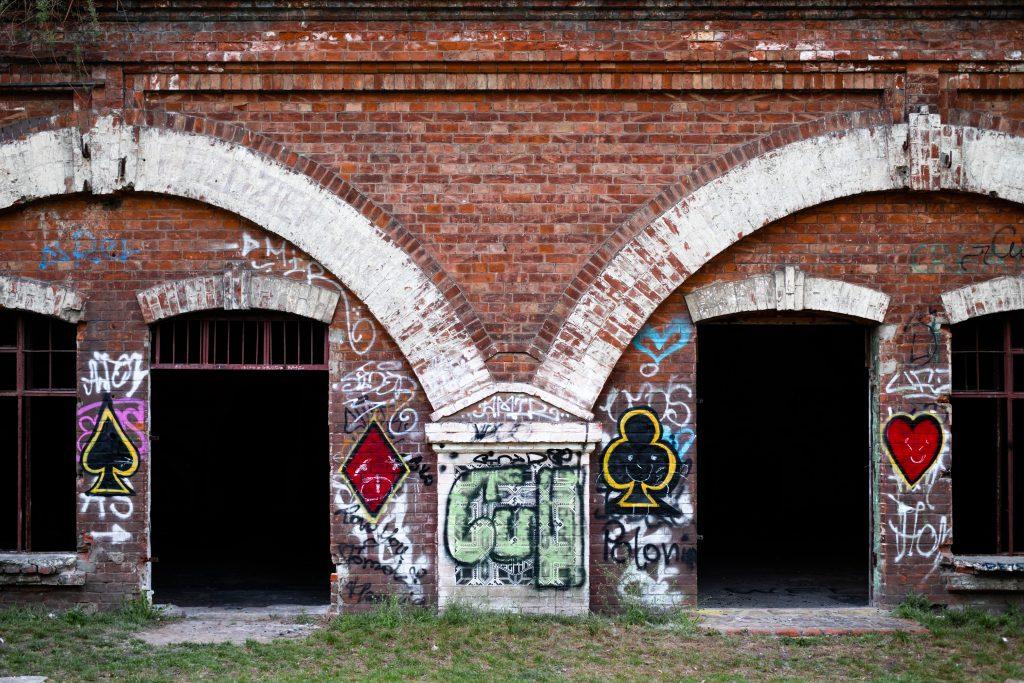 Old brick building - free stock photo