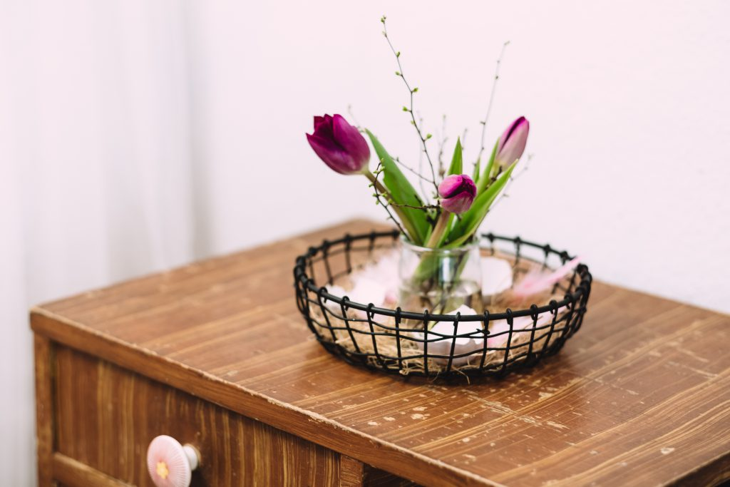 Easter table decoration with egg shells 2 - free stock photo