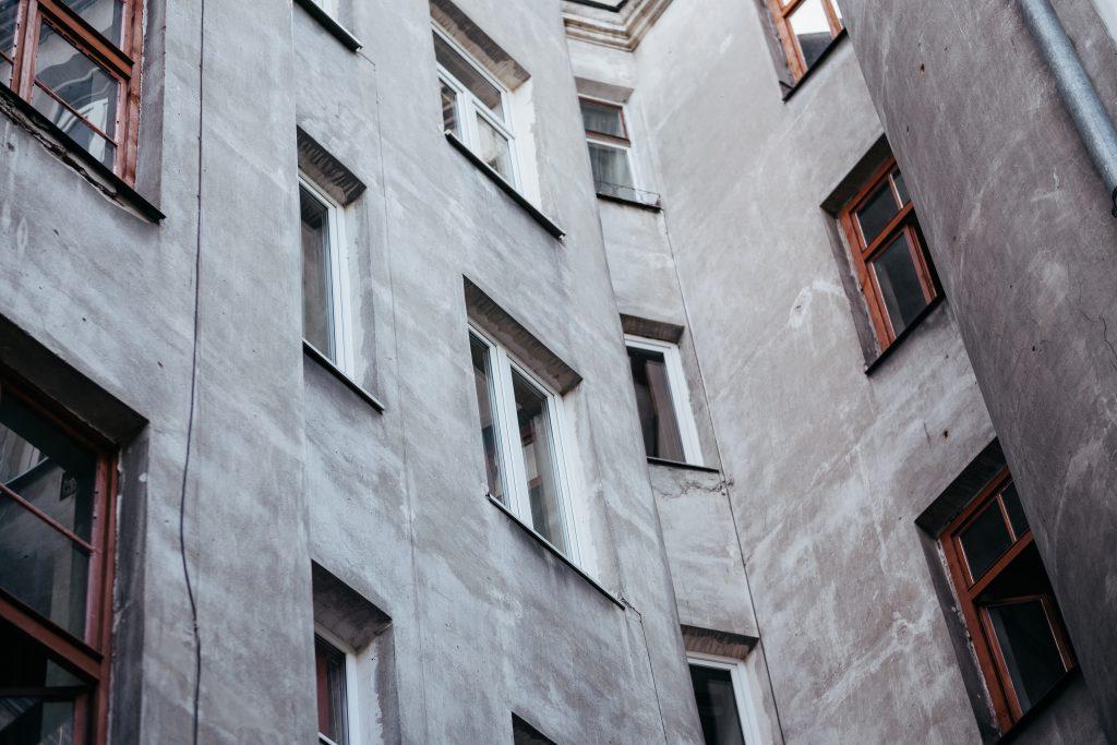 Grey building 2 - free stock photo