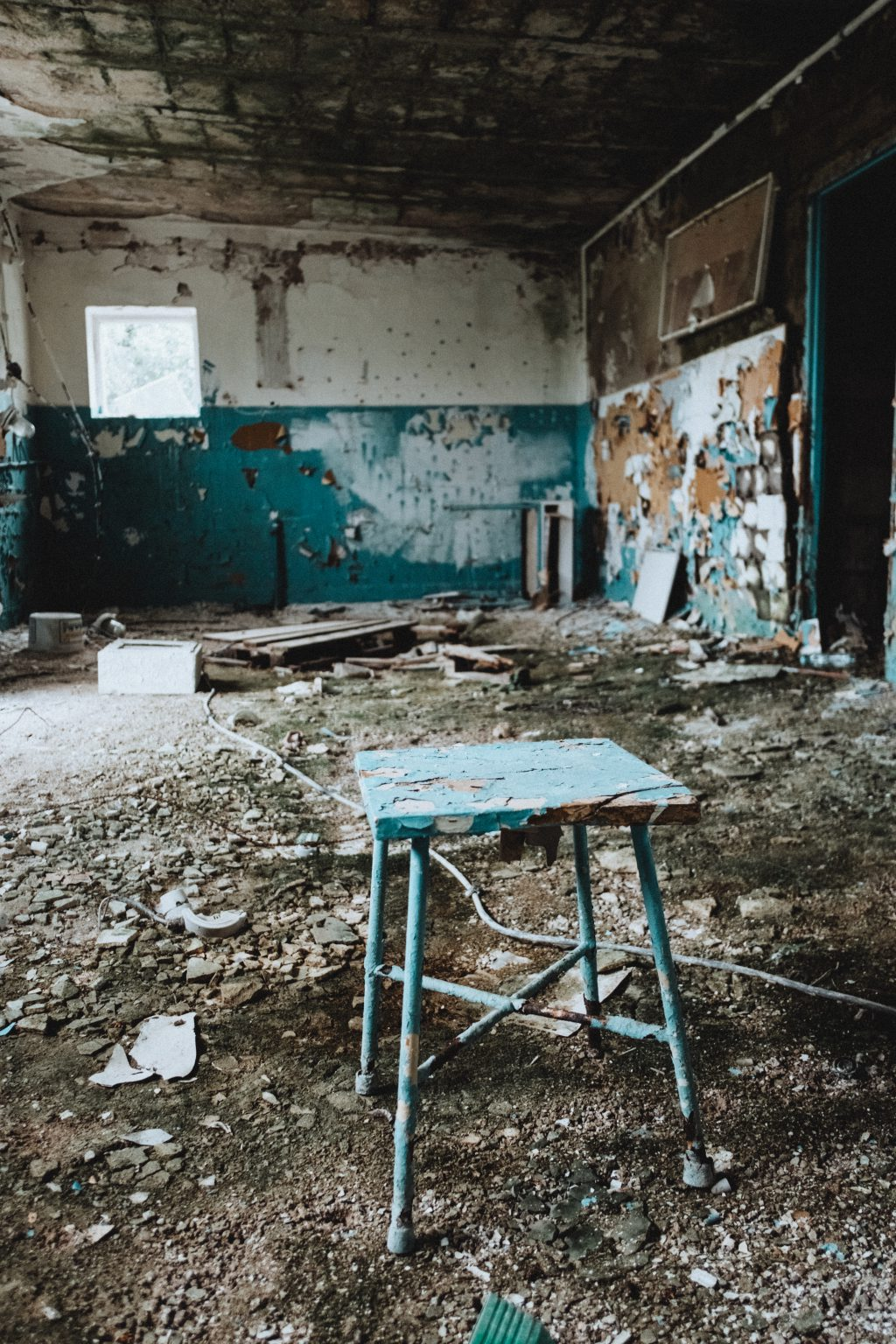 Abandoned ruined building interior 4 - free stock photo