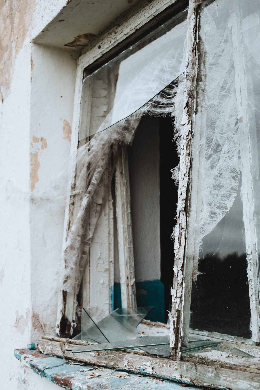 Abandoned ruined building window - free stock photo
