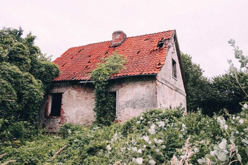 Abandoned ruined house 2 - free stock photo
