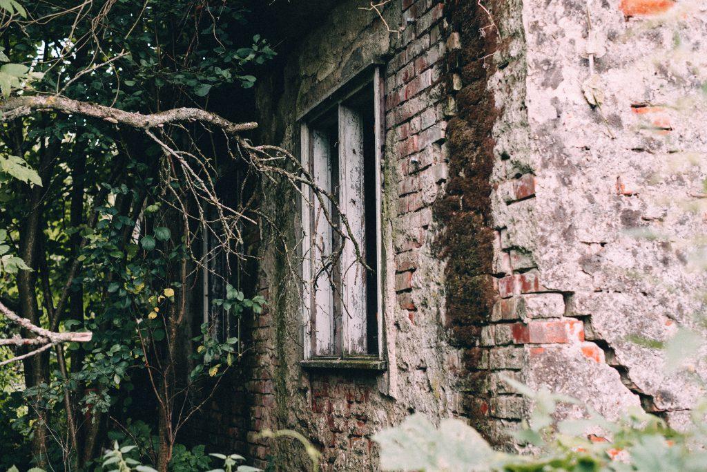 Abandoned ruined house 6 - free stock photo